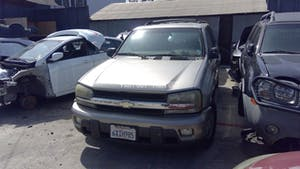 2004-Chevrolet-Tahoe-1.jpg
