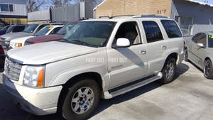 2005-Cadillac-Escalade-1.jpg