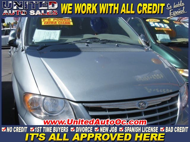 2005-Chrysler-Town & Country-1.jpg?w=300&h=169
