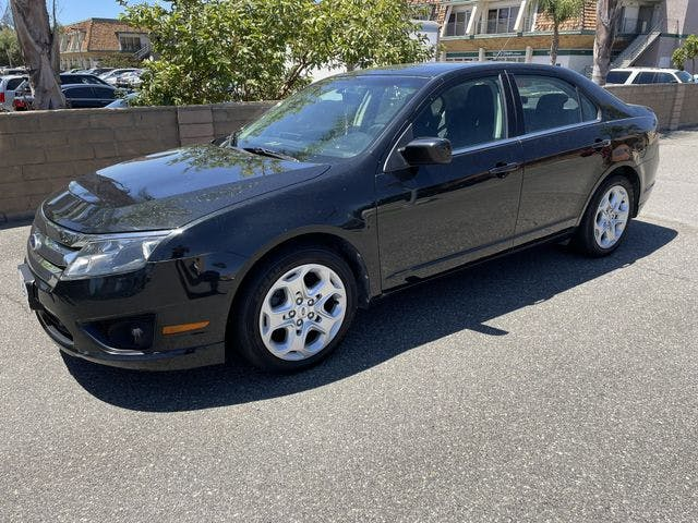 2010-Ford-Fusion-1.jpg