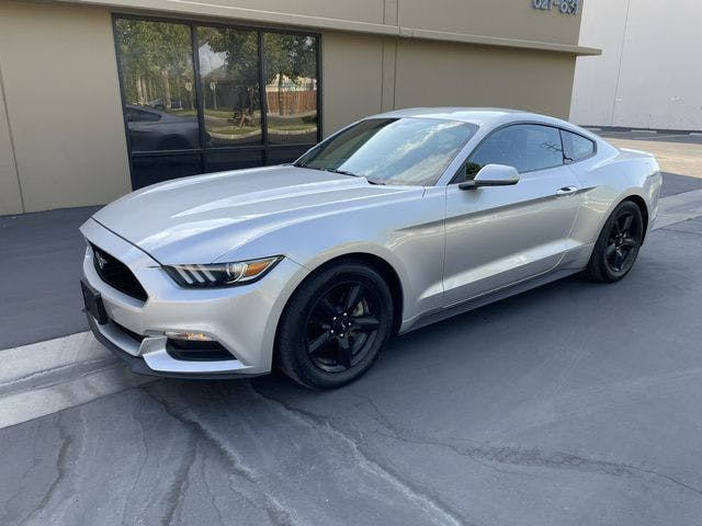 2016-Ford-Mustang-1.jpg