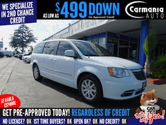 2015-Chrysler-Town & Country-1.jpg